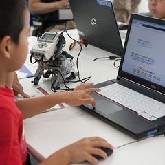 富士通オープンカレッジ那覇校 子ども向けプログラミングスクール
